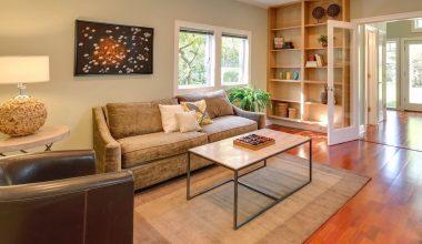 hardwood floor living room featured